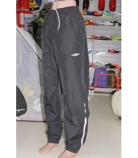 Ветрозащитные брюки Umbro